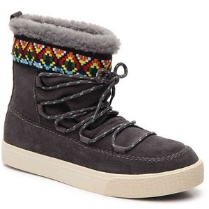 TOMS Alpine Gray Suede Lace Up Ankle Boots NEW - 6